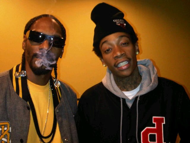 Young Wild And Free (ft. Bruno Mars) Snoop Dogg & Wiz Khalifa