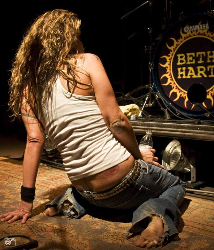 LA song (out of this town) beth hart