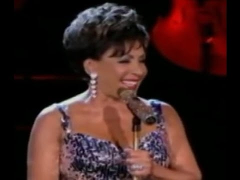 Shirley Bassey - Kiss Me Honey Honey Kiss Me (2009)