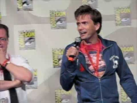 David Tennant & John Barrowman Kiss - SD Comic Con '09