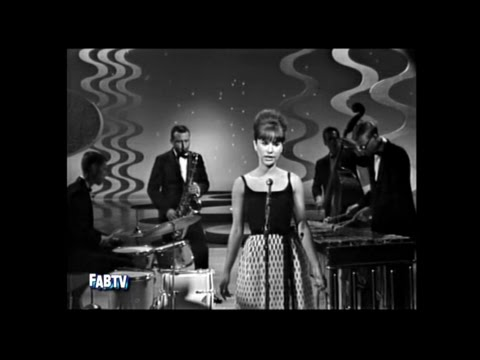 Astrud Gilberto & Stan Getz: The Girl From Ipanema- 1964
