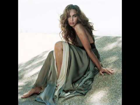 Leona Lewis Spirit Deluxe Edition 2008 - 13. Footprints In The Sand. single mix.wmv