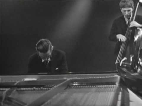 Bill Evans Trio - Summertime - 19 Mar 65 (2 of 11)