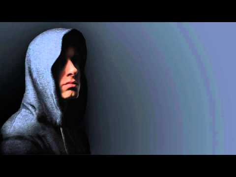 Eminem - Celebrity (Ft. Lloyd Banks & Akon) (2010) (HQ)