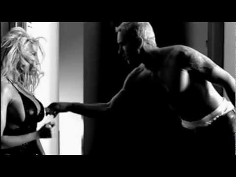 Britney Spears Feat. Eminem - Inside Out Video + Subtitulos Versión Extendida